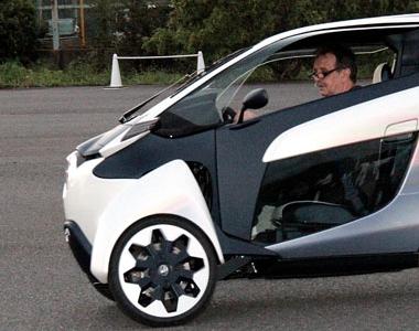 The lean-machine: We drive the Toyota i-ROAD